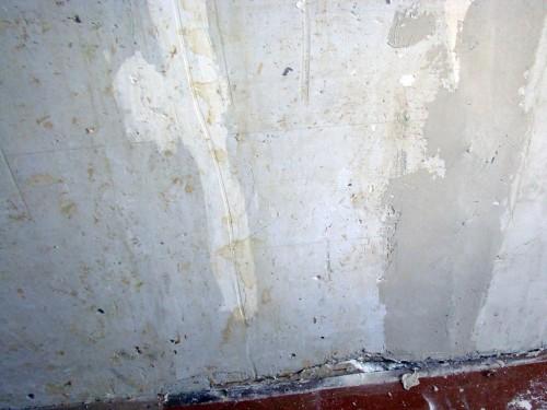 Изъяны стен до шпатлевания