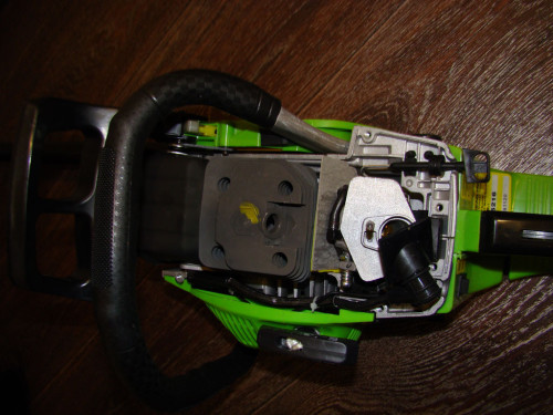 Бензопила GREENLINE GL5216 без верхних крышек